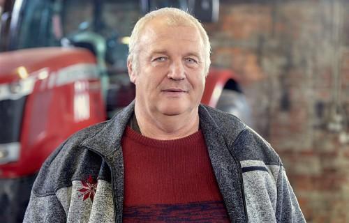 Zemnieku saimniecībā Dumbrāji labība aug griezdamās