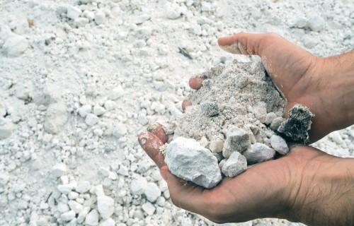 Lauku ģipšošana – paņēmiens fosfora piesārņojuma samazināšanai